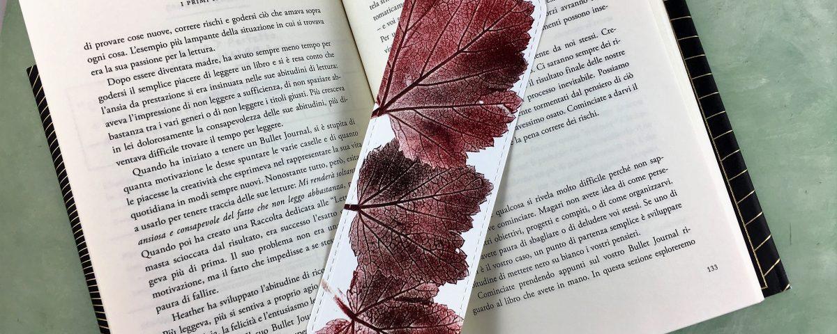 segnalibro in carta cotone con foglie di vite stampate